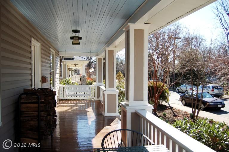 front porch of 429 N Lincoln