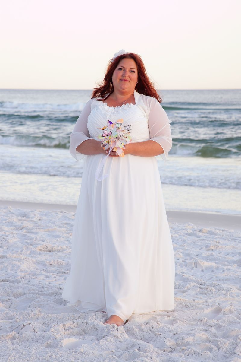 Catrese In Her Beautiful Chiffon Wedding Dress Strutbridal Plussize Weddingdress Casual Beach Wedding Dress Hawaiian Wedding Dress Informal Wedding Dresses [ 1200 x 800 Pixel ]