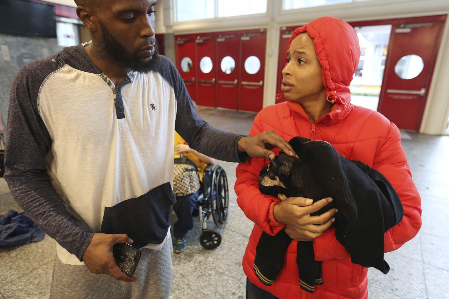 Brandon Spears Left Checks On His Wife D Ona Spears And Her Dog Missy At A Shelter For Flood Evacuees In The Convention Buffalo Bayou Downtown Houston Harvey