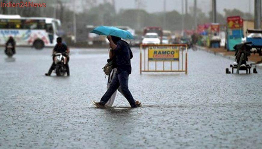 Tamil Nadu Heavy rains bring Chennai traffic to grinding