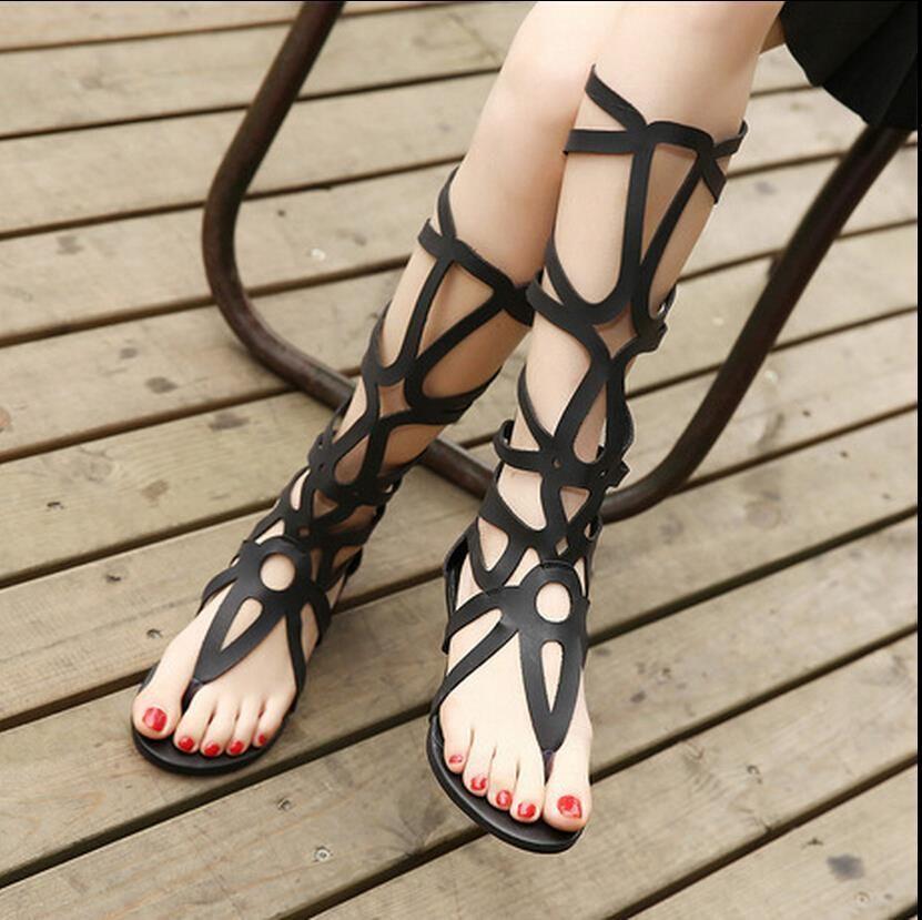 816a87e26ac70 Encontrar Más Sandalias de las mujeres Información acerca de 2015 del  estilo del verano mujeres sandalias botas del corte del Laser de arranque  sandalias ...