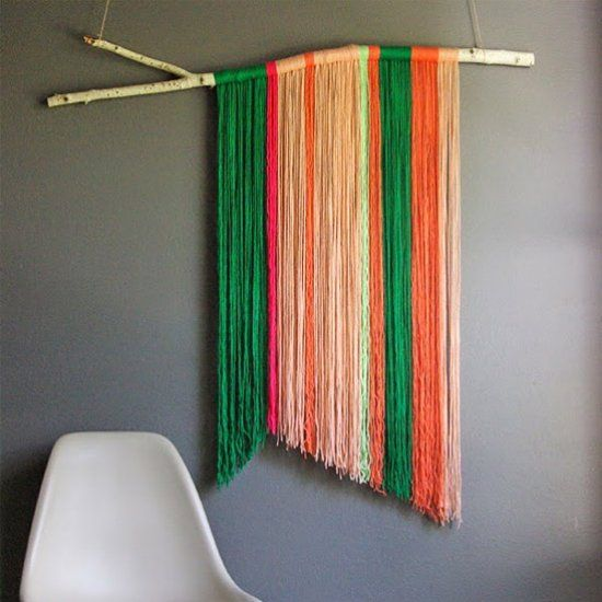 Learn to make your own DIY yarn art! (via Oleander and Palm)