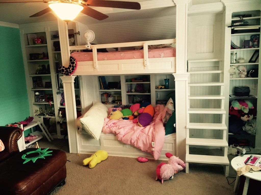 Etagenbetten · This Dad Made The Coolest Built In Bunk Beds For His  Daughters