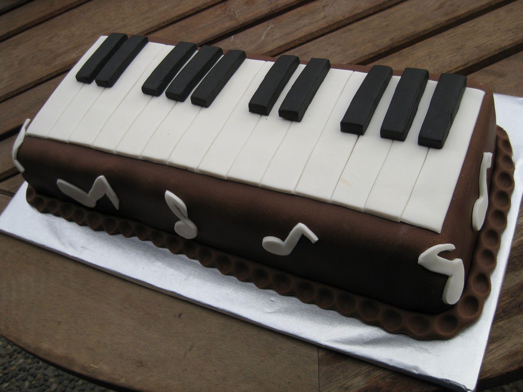 вас торт в виде рояля фото игры предельно простой
