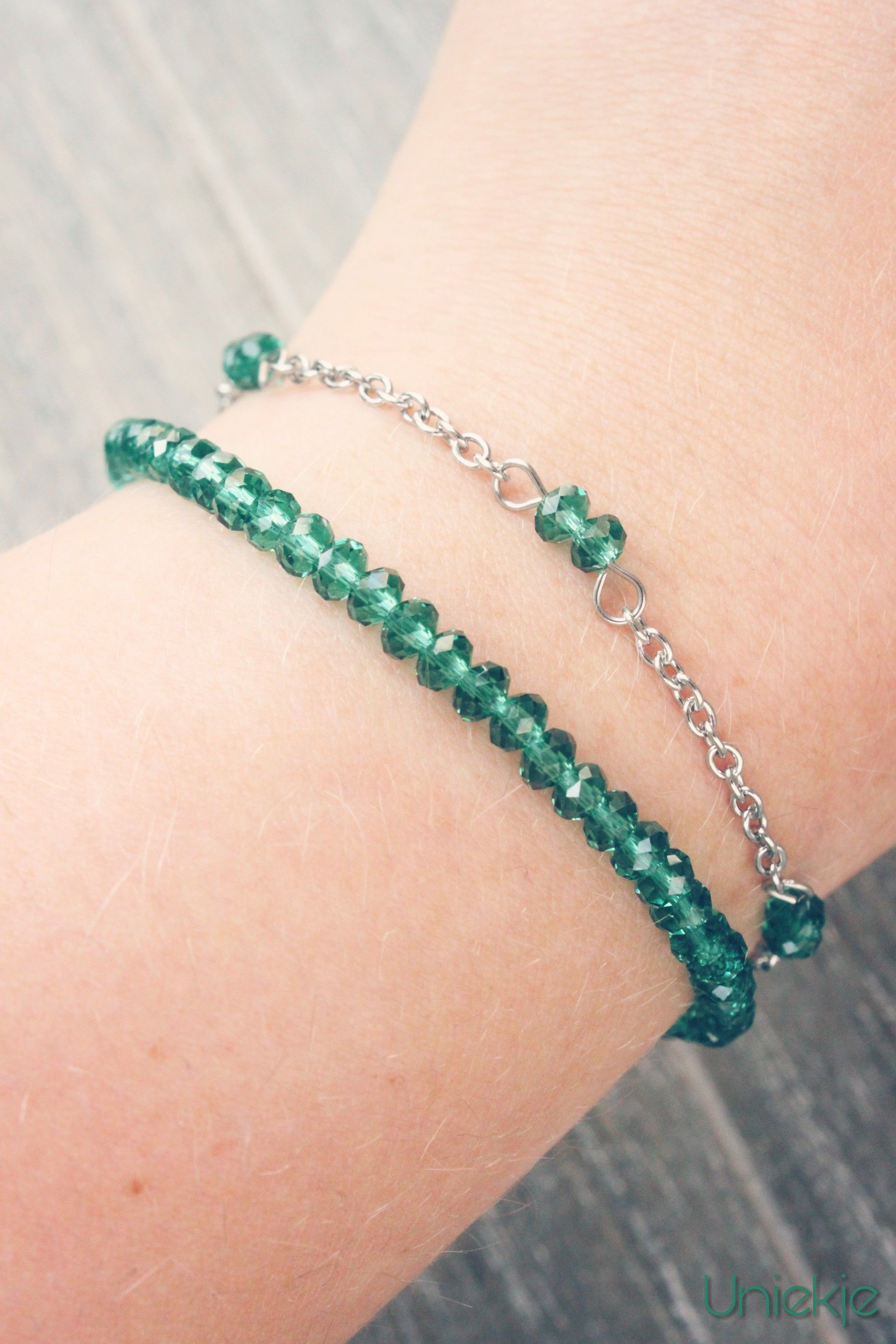Handmade delicate RVS bracelets with emerald / indicolite color faceted crystal beads