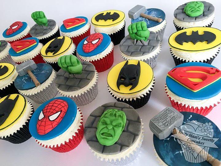 Superhero Cupcakes Hulk, Spider-Man,Batman, Superman ,Thor