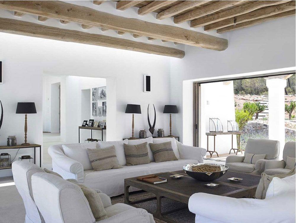 Ibiza villa di lusso con piscina a sfioro home for Interni ville lusso