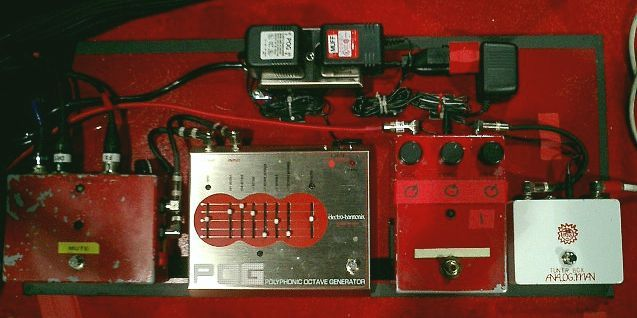 jack white 39 s pedalboards from white stripes to the dead weather guitar fx jack white guitar. Black Bedroom Furniture Sets. Home Design Ideas