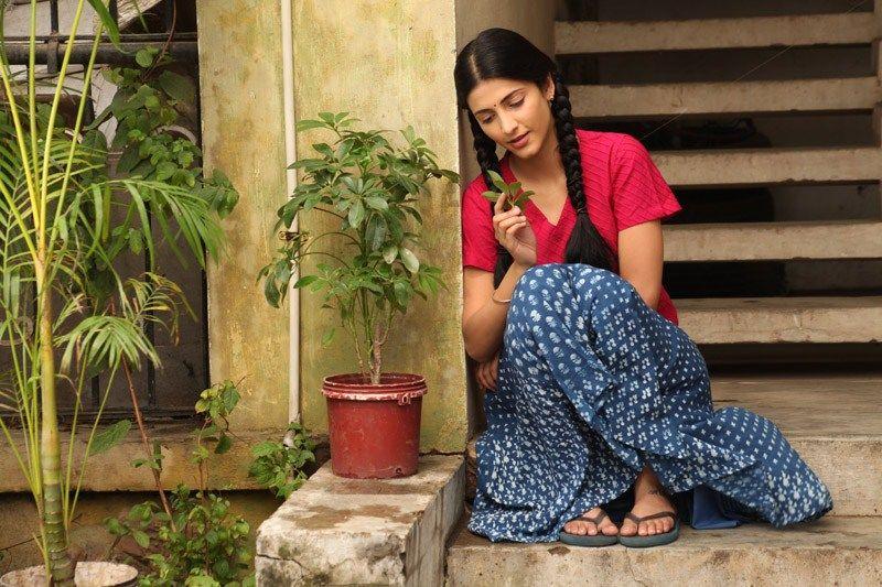 Dhanush Shruti Hassan 3 Movie Hot Stills Movie Photo Romantic Movies Movies