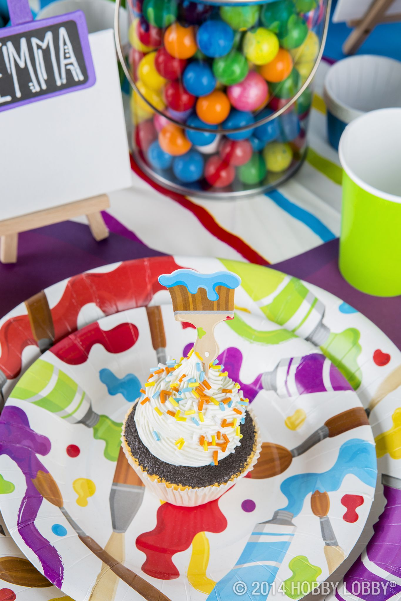 Bring Some Pizazz To Your Party With These Paint Themed Supplies