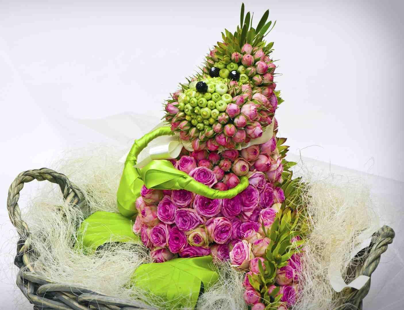 hedgehog | Tablescapes | Pinterest | Flower arrangements, Flower ...