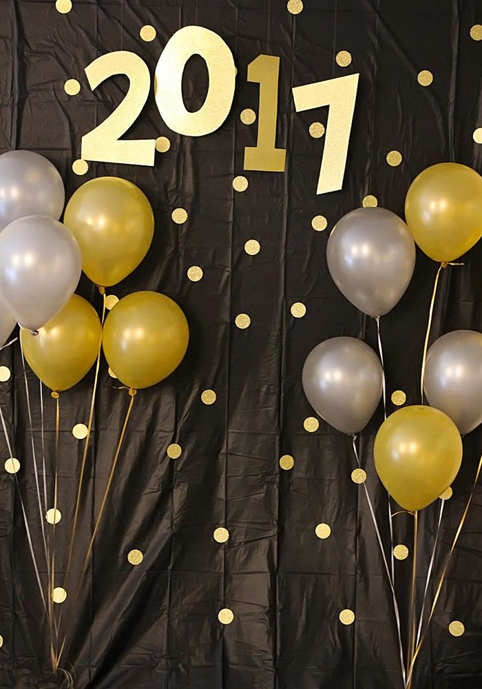 New Year's Eve Photo Backdrop   Party backdrops, Graduation photos ...