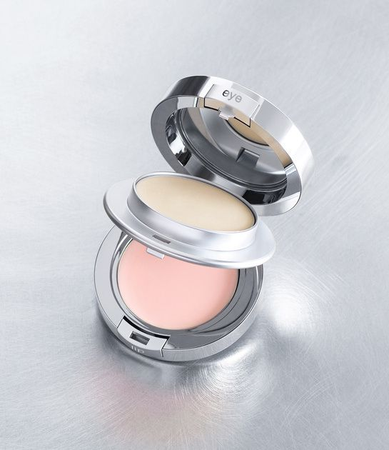 @laprairie_usa Anti-Aging Eye & Lip Perfection à Porter - lip balm and eye cream in one. Fancy dancy.