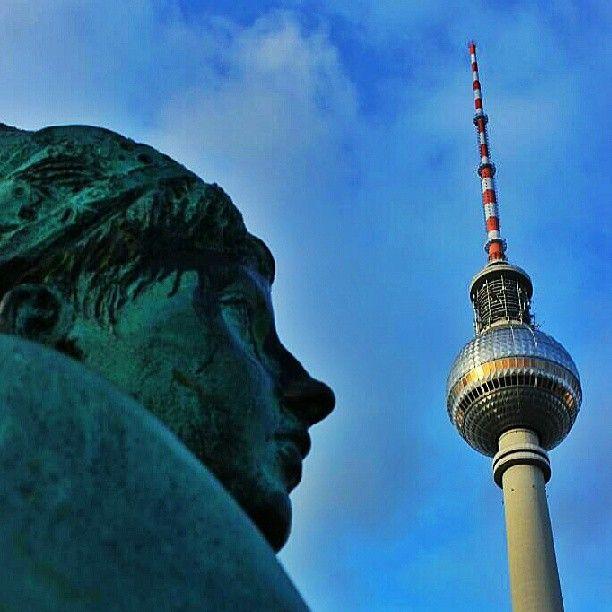 Berlin Alexanderplatz Brunnen Fernsehturm Berlin Alexanderplatz Fernsehturm Berlin