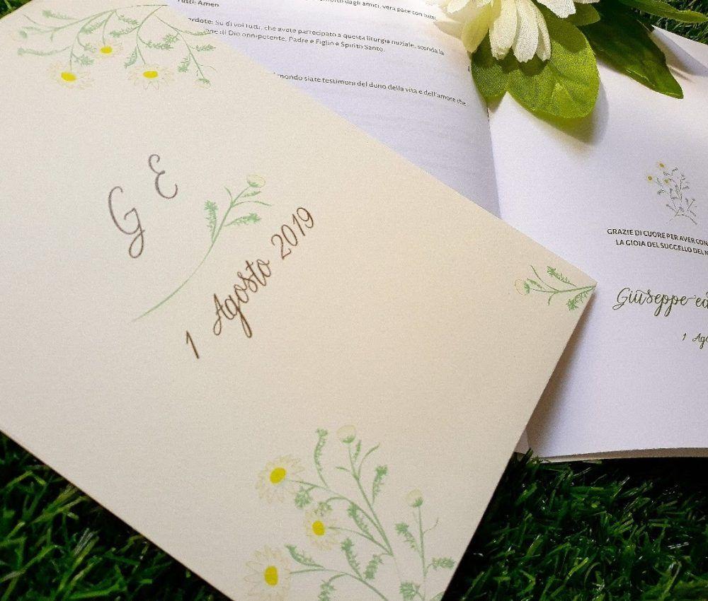 Partecipazioni Matrimonio Libretto Messa Tema Country Chic Fiori Di Campo Margherita Camomilla Partecipazione Di Matrimonio Partecipazioni Nozze Matrimonio