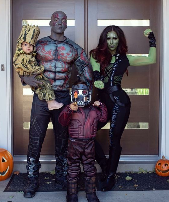 11 Best Group Halloween Costumes For Families Best group