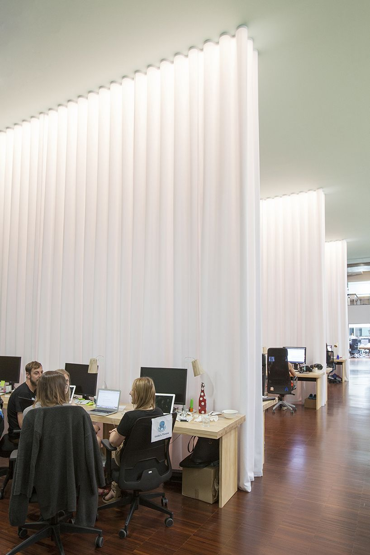 Separation Salon Chambre Studio lagranja design create a leafy, light-filled office in
