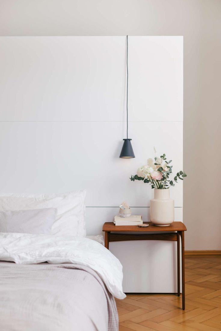 Unser begehbarer Kleiderschrank hinter dem Bett ...