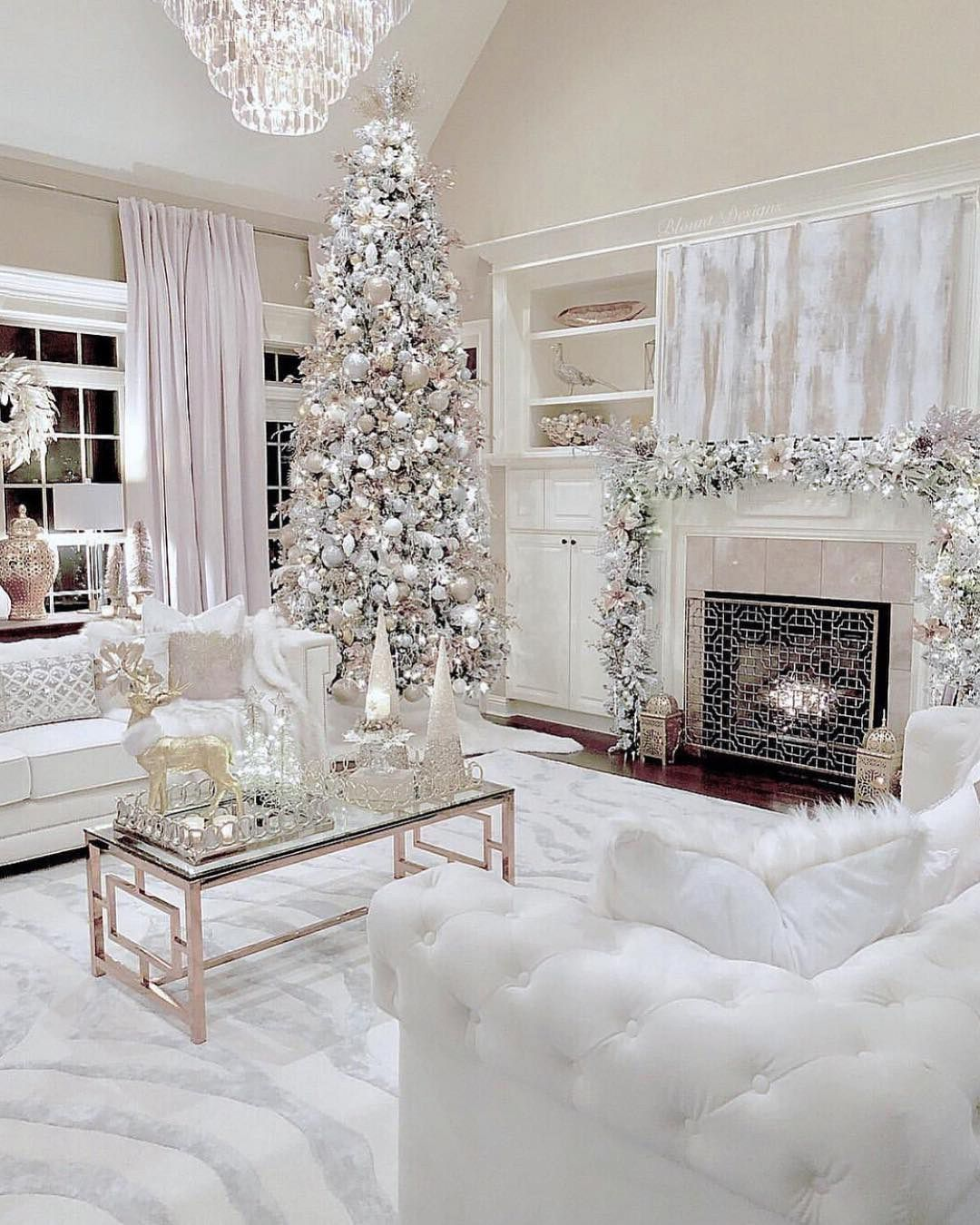 Pin By Mabel Colon On Home Decor White Christmas Decor Winter Home Decor Silver Christmas Decorations