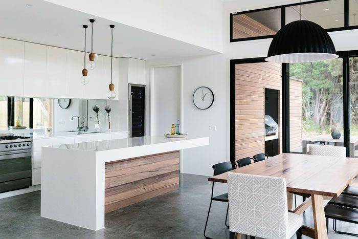interieur keuken kookeiland hout