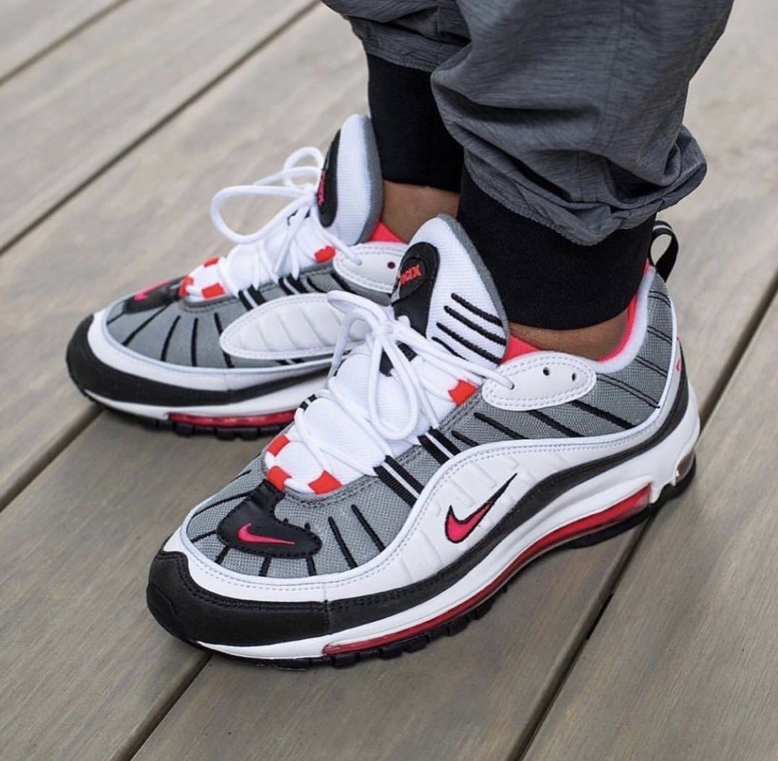sports shoes fc823 a0c7c Nike Solar Red 98 | Stuff to buy in 2019 | Sneakers nike ...
