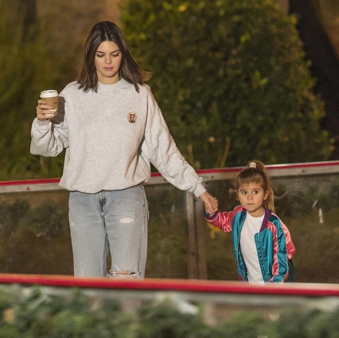 2 136 Curtidas 7 Comentarios Kendall Jenner Kendallkeek No Instagram December 8 Kendal Penelope Disick Style Kendall Style Kendall Jenner Street Style
