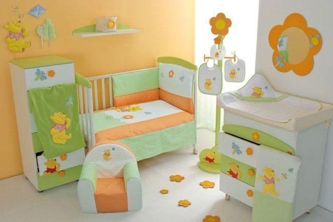 Chambre De Bébé Moderne Avec Une Déco Winnie Lu0027ourson