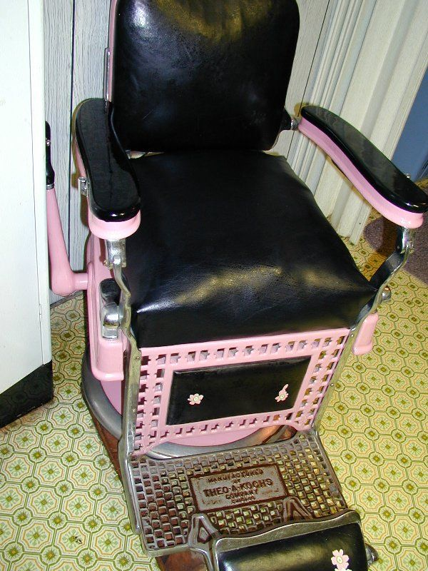 Vintage Barber Chairs For Sale This May Be The Only Antique Pink Porcelain Hydraulic Chair Barber Shop Chairs Barber Chair For Sale Barber Chair