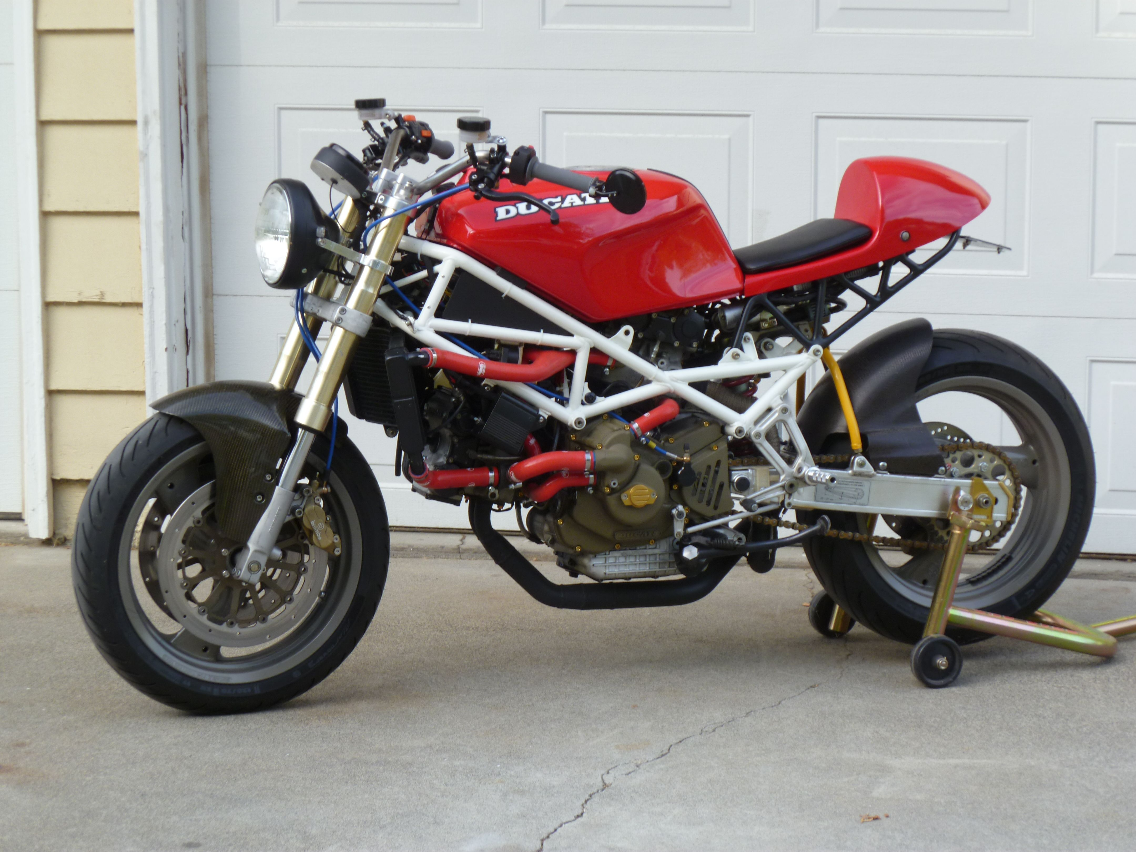 Naked Ducati 851 Café Racer
