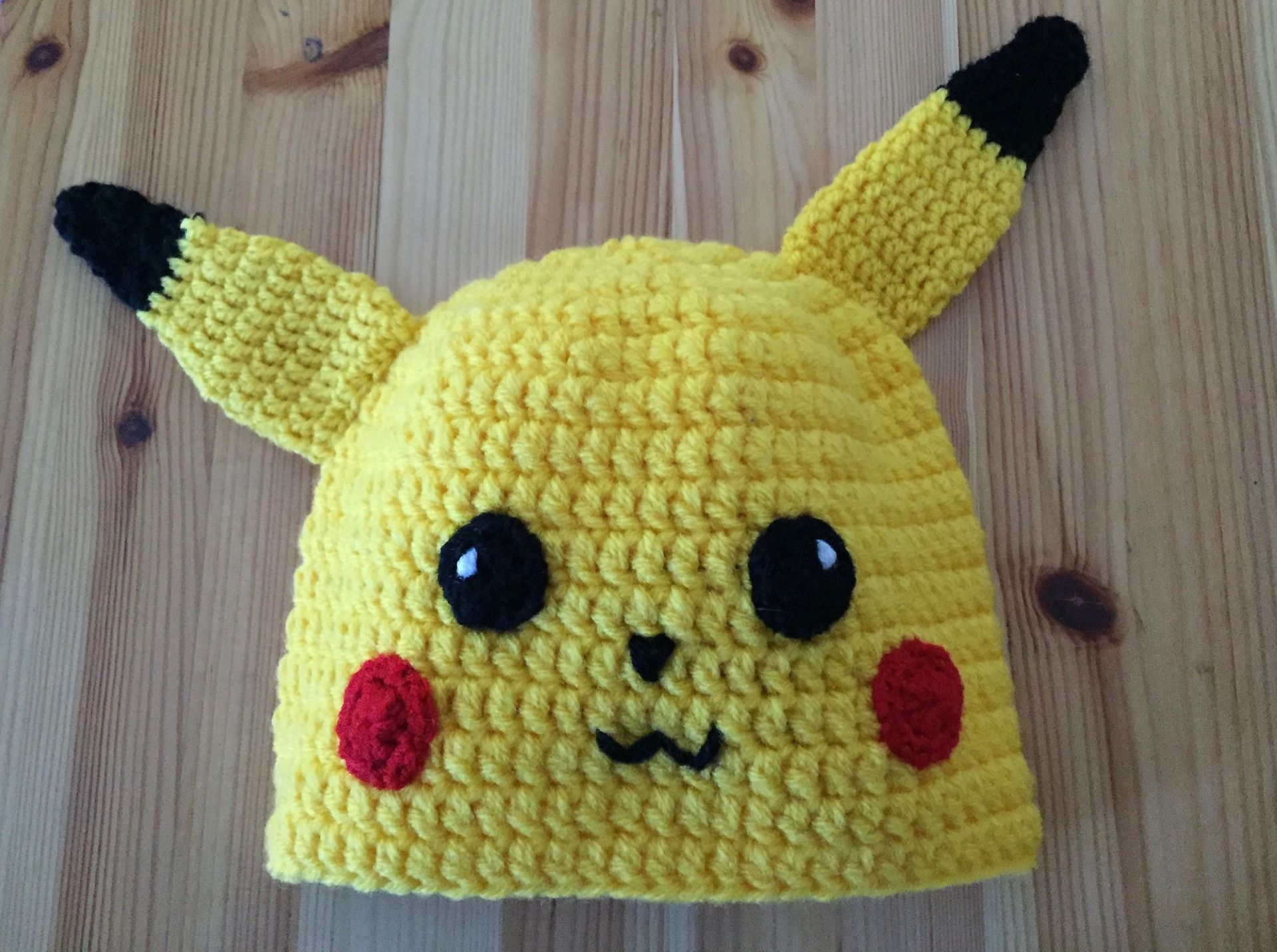 Bonnet - Theme Pokemon - Pikachu (jaune noir)   Mode garçons par  lost-in-the-woods 9042318ac5f