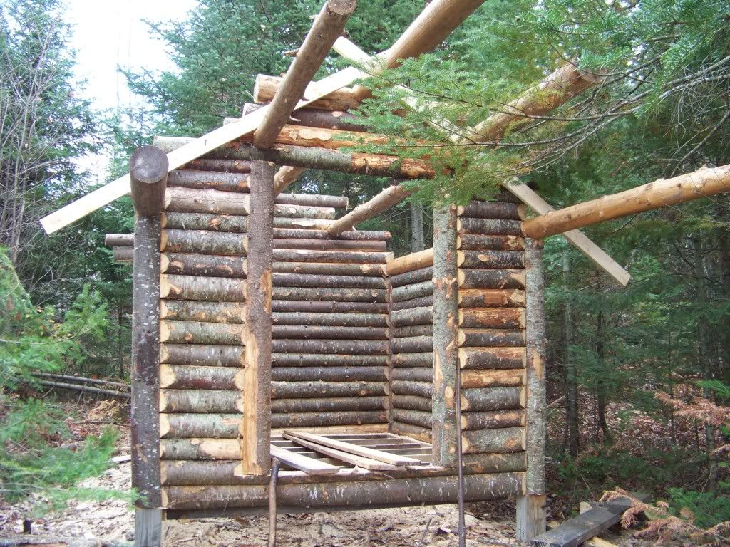 It Is Quicker To Build This Way Than With The Saddle Notch Or The Dovetail Corner Description From Trapperman Com I Sear Diy Cabin Building A Cabin Log Cabin