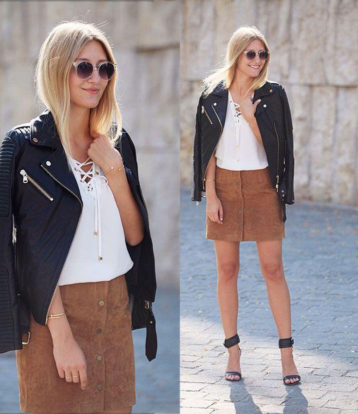 Lederjacke, brauner Wildlederrock , weiße Bluse und eine