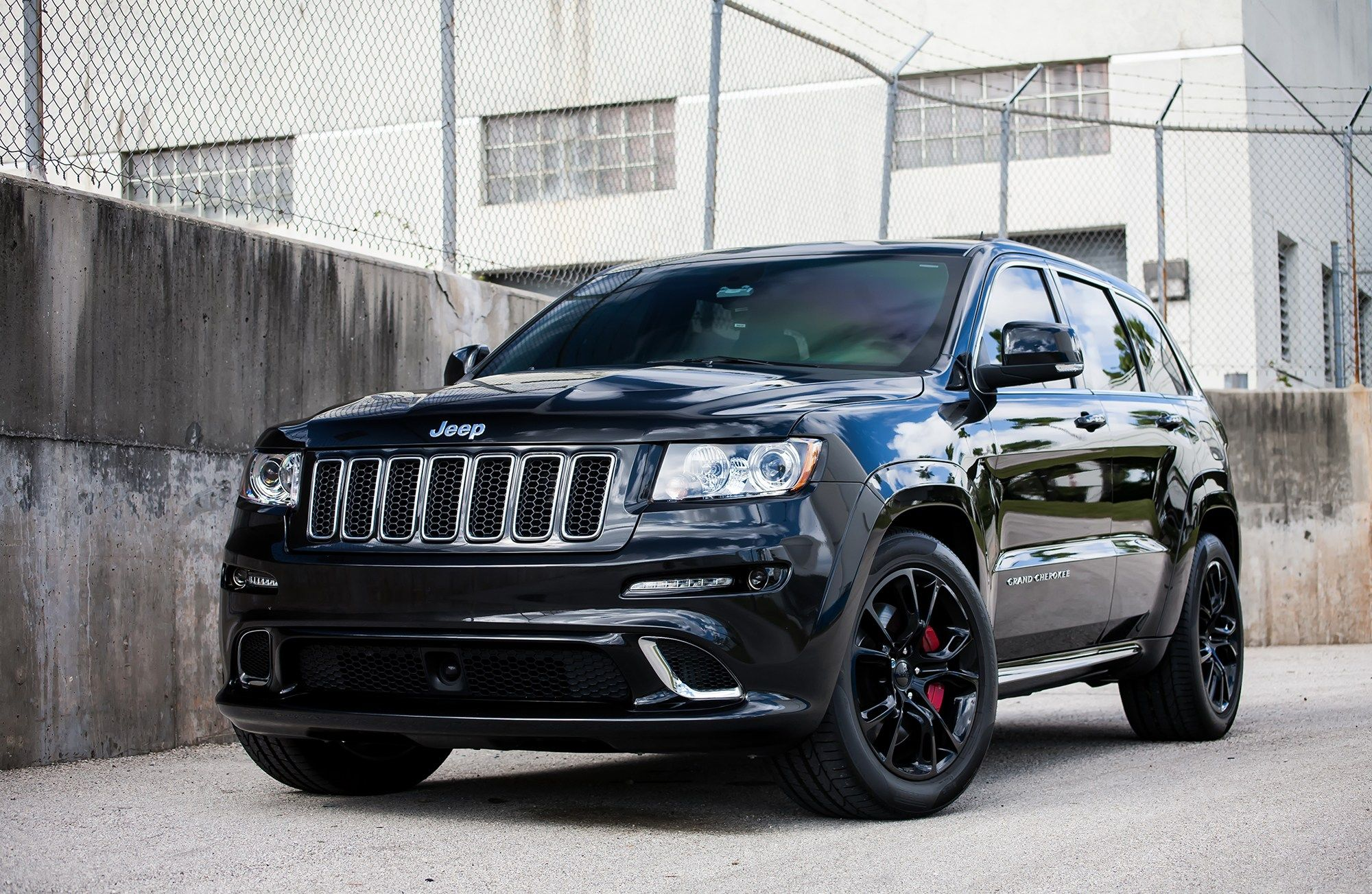 Awesome Black On Black Jeep Grand Cherokee Srt8