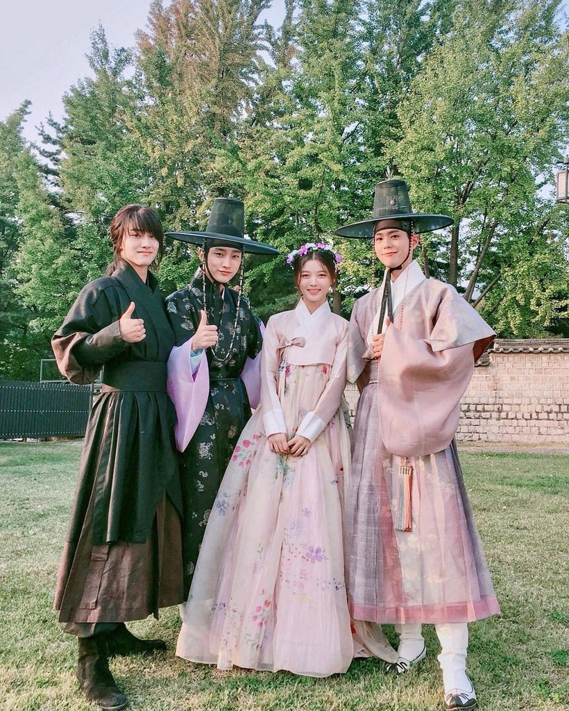 Park Bo Gum and Kim Yoo Jung Attend Moonlight Drawn by Clouds Drama ...