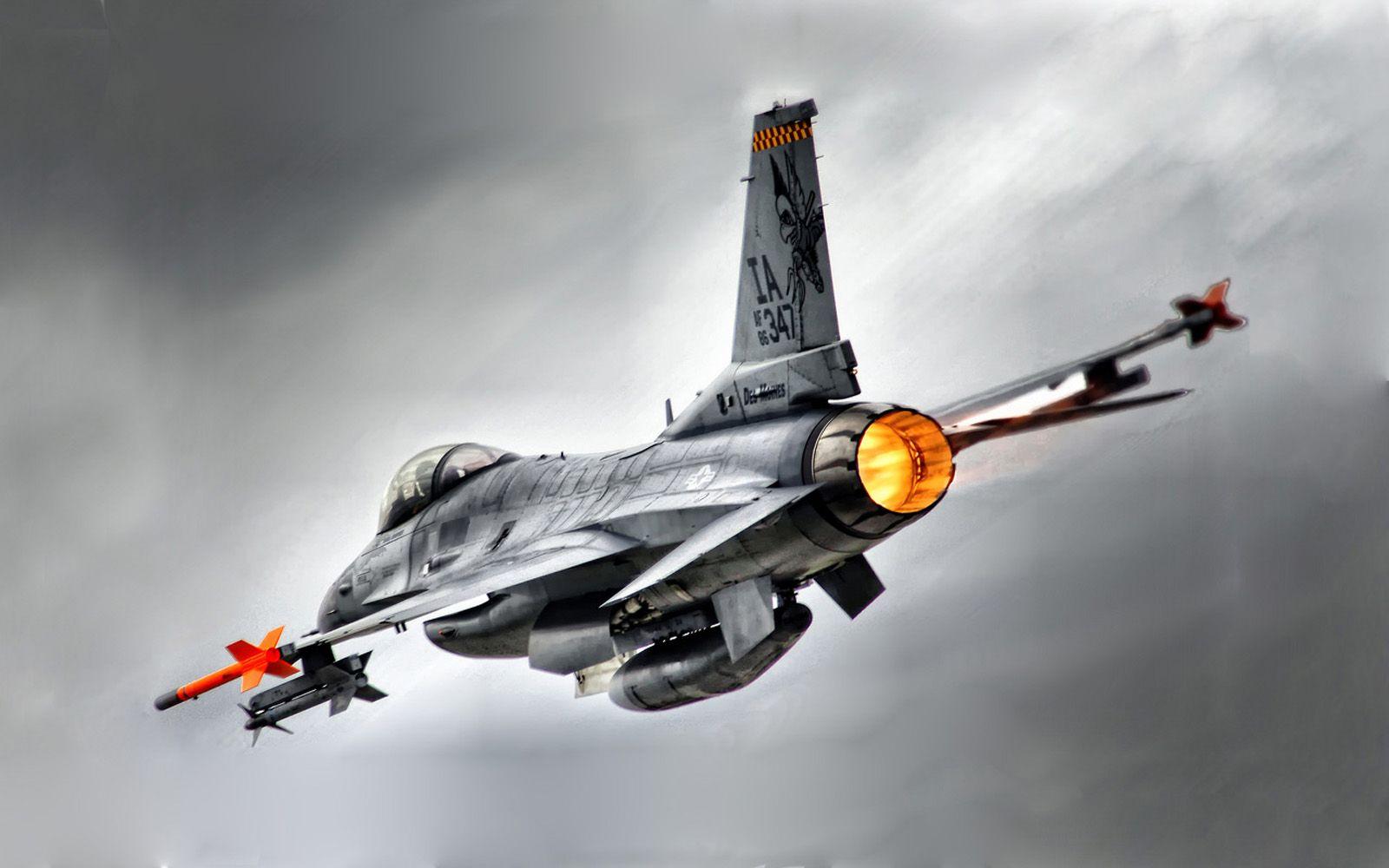 F Fighting Falcon Wallpaper