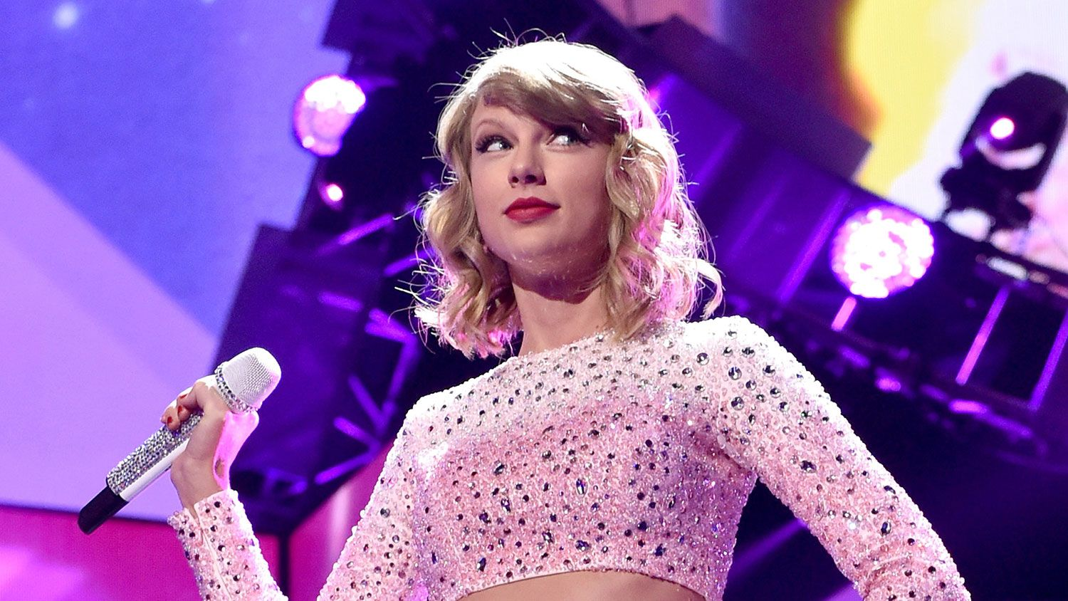 Apple\'s New Beats Music Thinks Taylor Swift Will Make You Pay Taylor ...