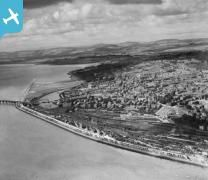Dundee, general view, showing Nethergate and Riverside Drive.  Oblique aerial ph...