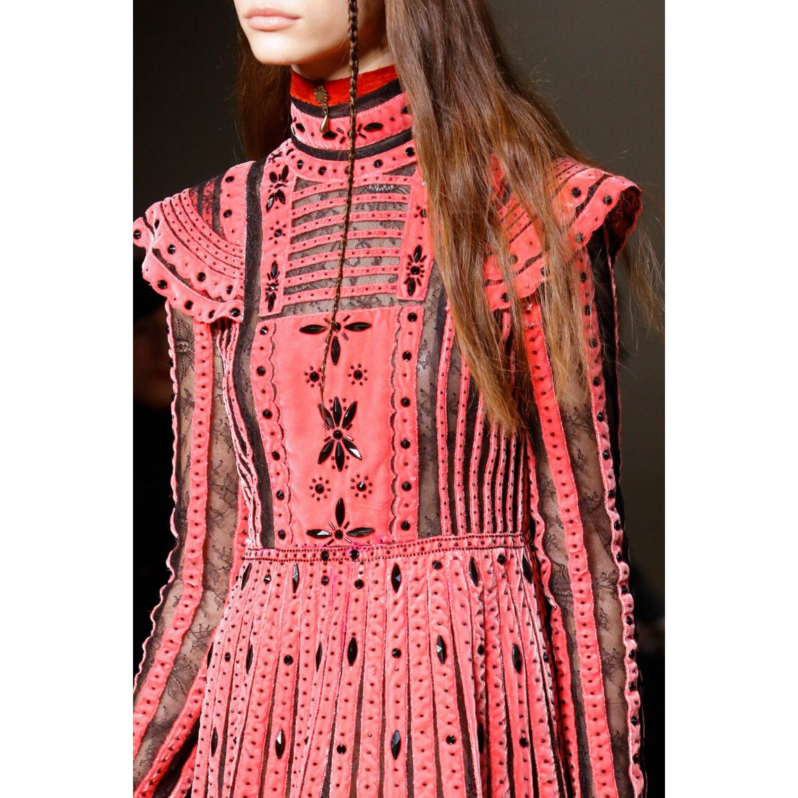 Valentino  #VogueRussia #readytowear #rtw #fallwinter2017 #Valentino #VogueCollections
