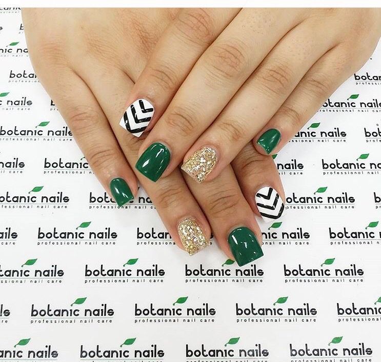 St Patrick\'s day nails | Nail art | Pinterest | Diseños de uñas ...