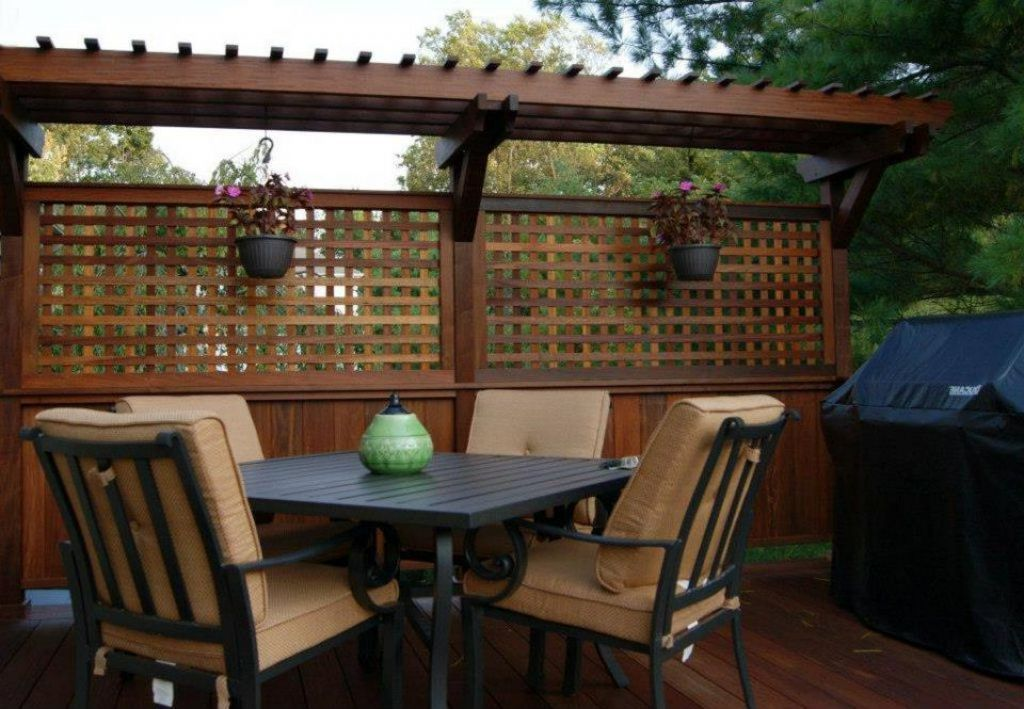 Outdoor attractive privacy ideas for decks giving chic for Wood patio privacy screens