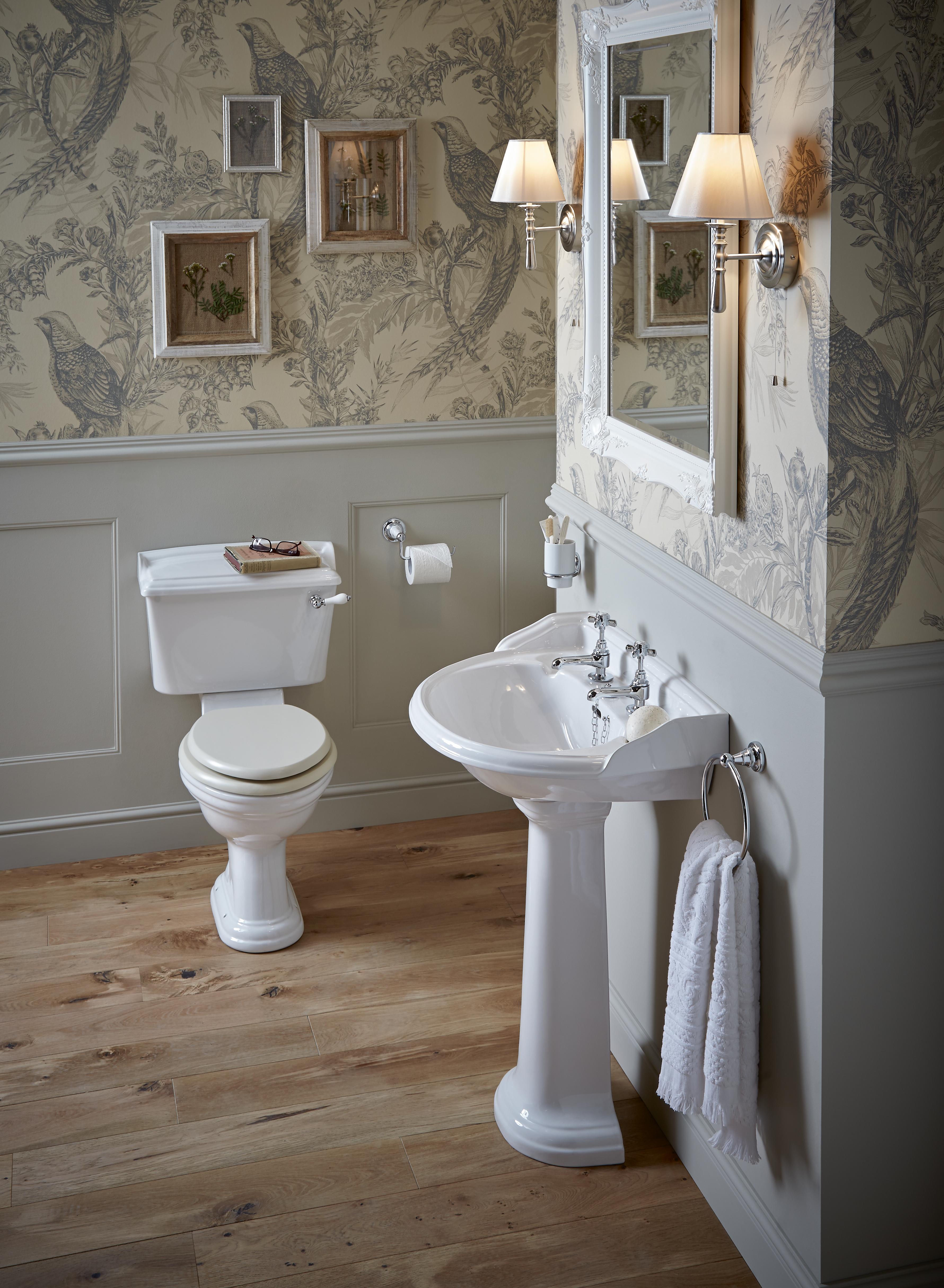 Nostalgie Keramik Wc Becken Dorchester Mit Aufgesetztem Spulkasten Wc Becken Badezimmer Innenausstattung Badezimmer Einrichtung