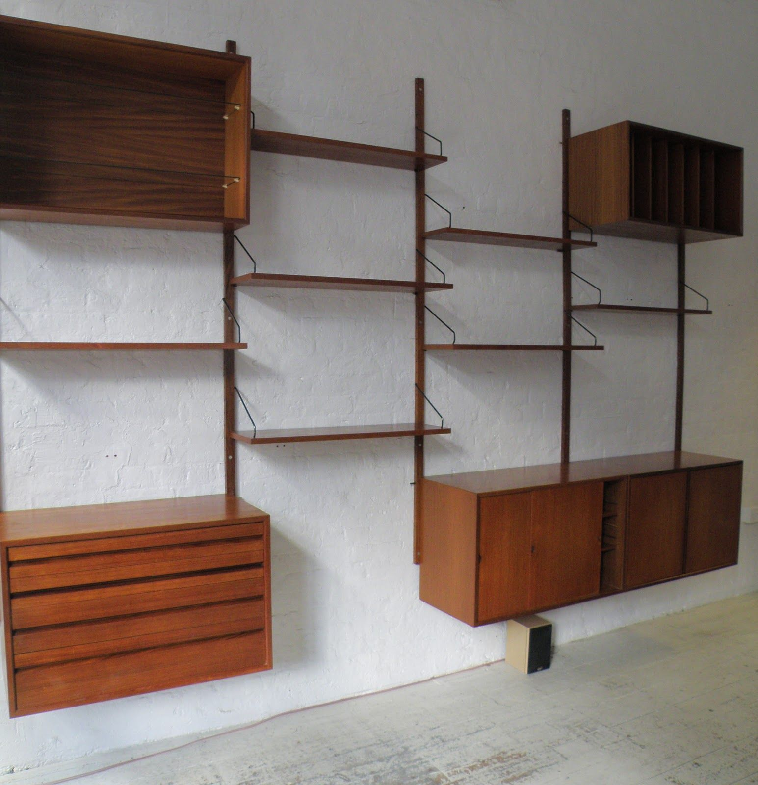 Pin By Simone Eisold On Studio Wall Shelving Systems Wall