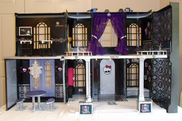 monster high doll house | Monster High's High School | Flickr - Photo Sharing!