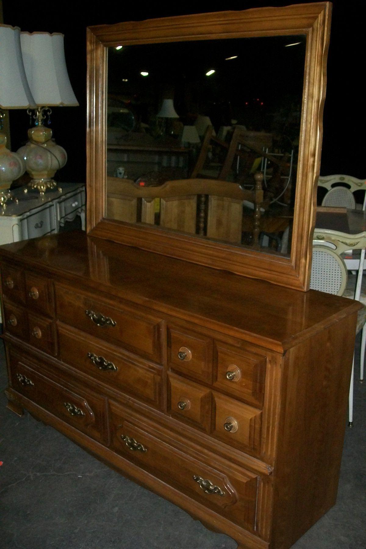 Maple 8 Drawer Dresser W Mirror 19603 Products