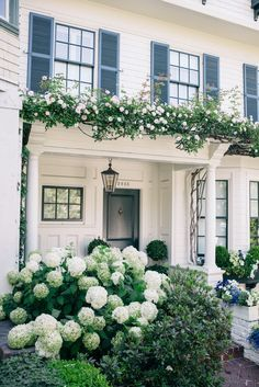 White Summer Trousers - Gal Meets Glam #dreamhouses