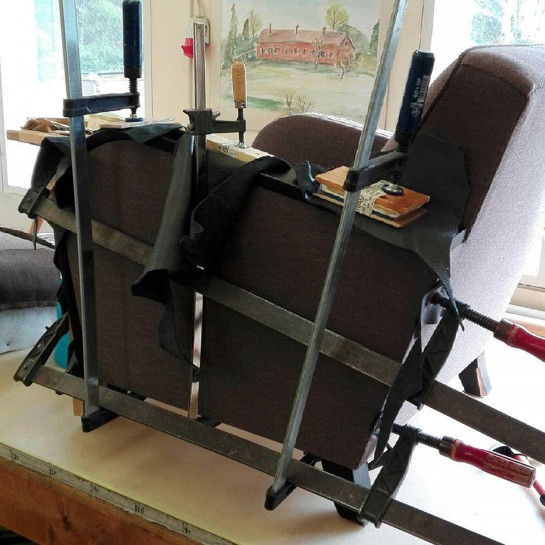 Struggle is struggle.  #upholstery #woodwork #glueing #armchair #finland #verhoilu #nojatuoli #pormestari #käsinojat #liimauksessa #suomi -verhoomo de me_nannerl