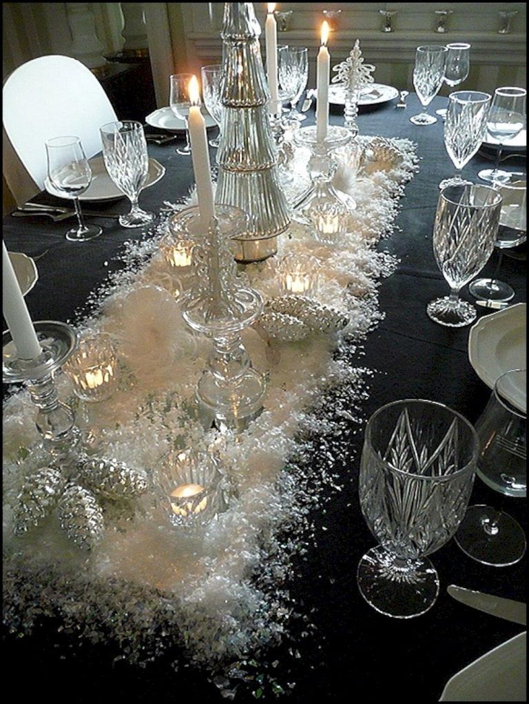 22 Inspiring Christmas Dining Table Decor Ideas Christmas Dining Table Christmas Table Decorations Christmas Centerpieces