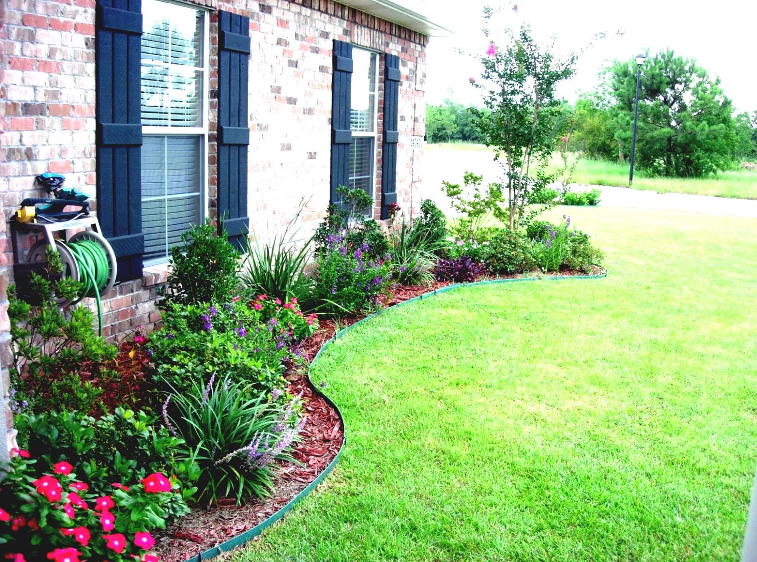 Simple Landscaping Ideas With Low Maintenance Tropical Daze