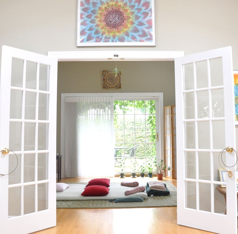 The Breatharium :: A Room In Chicago, IL To Facilitate The Healing Work Of.  NestChicago