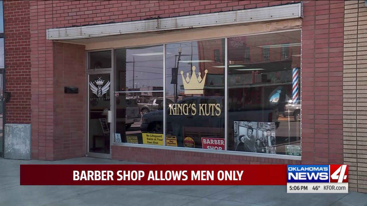 Ponca City Barber Shop Doesn T Allow Women Inside In 2020 Ponca City Barber Shop Barber